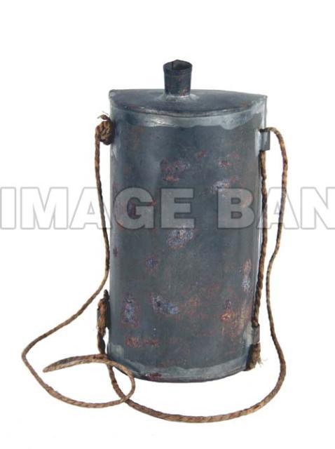 Rwq8ds British Soldier S Tin Water Bottle