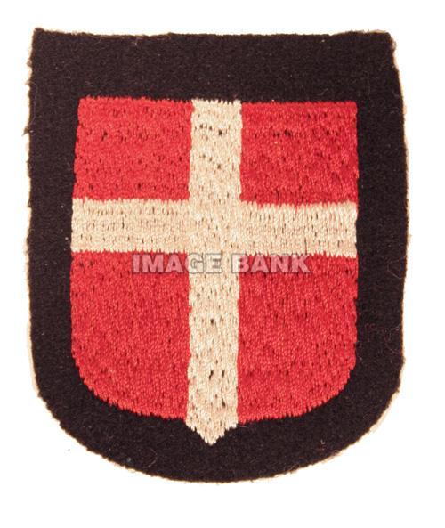 W2Gv170d- Waffen SS Danish Volunteers Armshield copy
