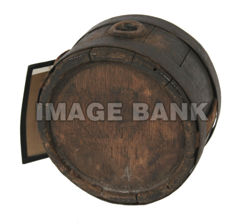 RWq53d- American canteen carried by a soldier at Saratoga in 1777